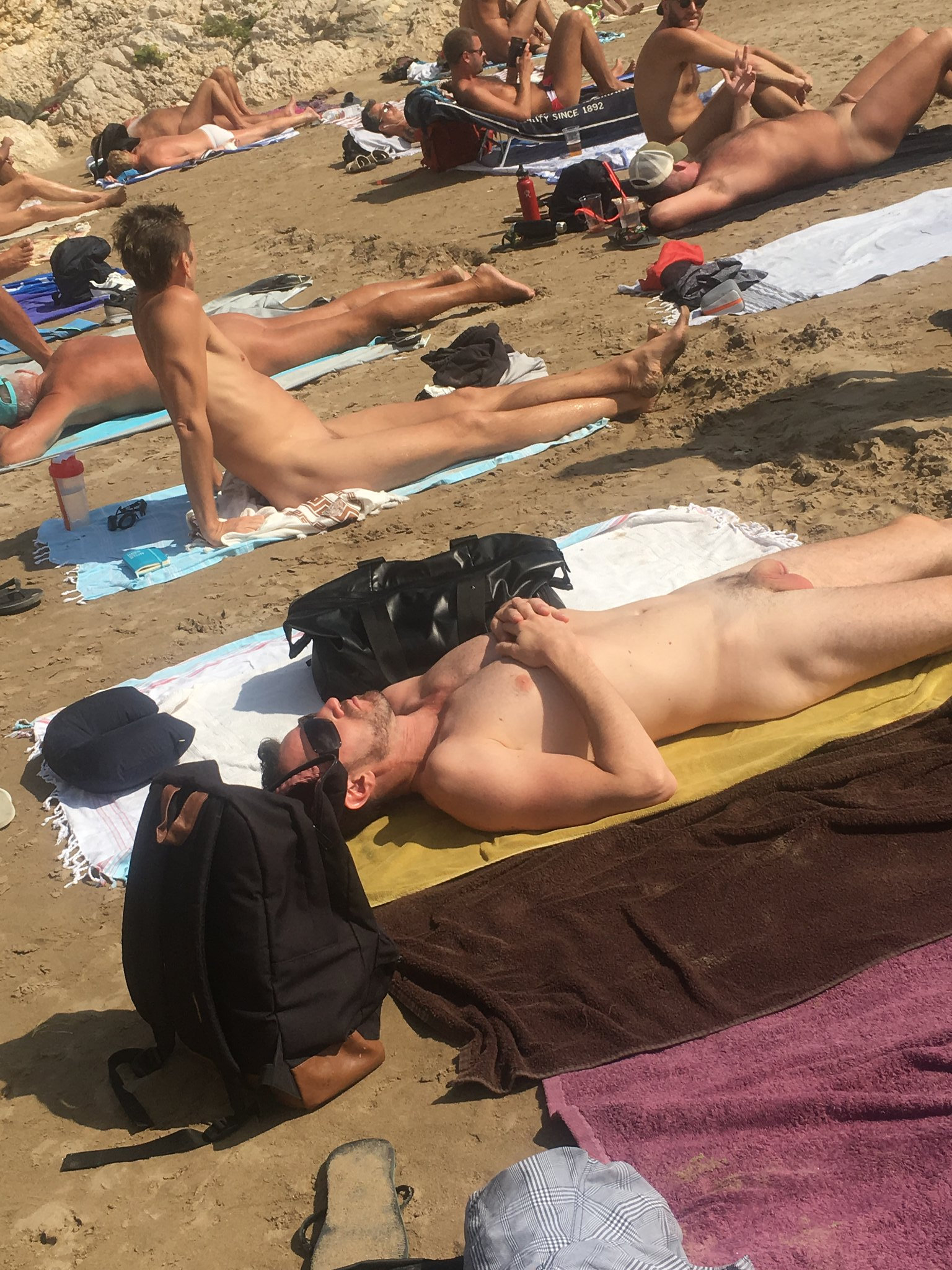 Am fkk strand männer Wichsende Maenner